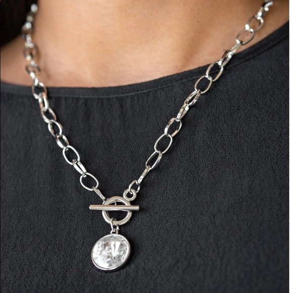 She sparkles on necklace white